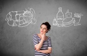 woman choosing healthyvunhealthy